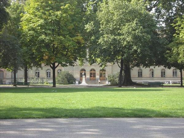 044_日內瓦大學