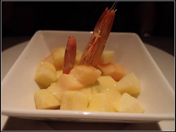 鮮蝦水果沙拉..