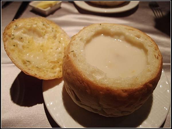 法式麵包玉米濃湯~