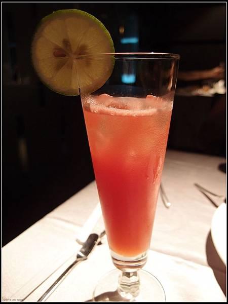 鮮榨鳳梨香橙汁