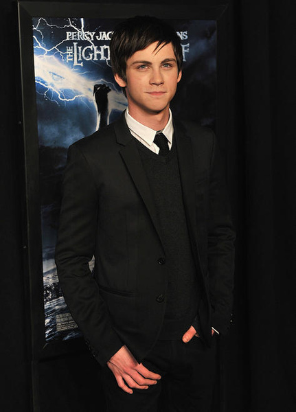 logan_lerman_1265994282.jpg