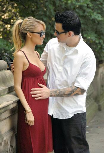 joel-madden-pregnant-nicole-richie-thumb-350x510.jpg