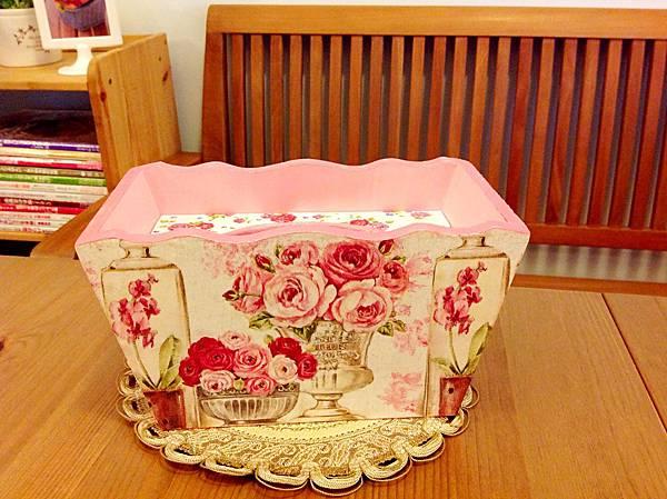 粉紅玫瑰面紙盒