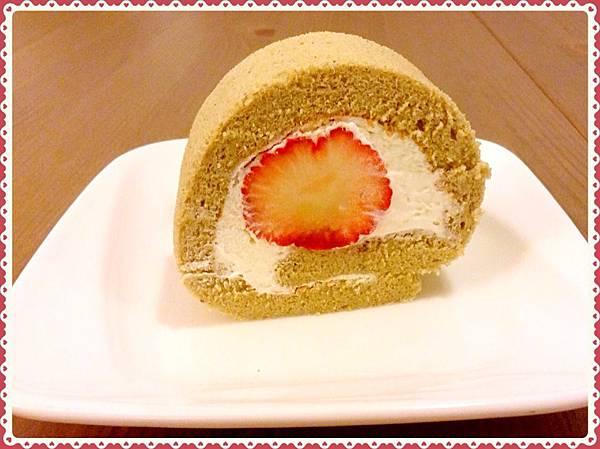 抺茶草莓蛋糕卷