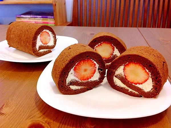 巧克力草莓蛋糕卷