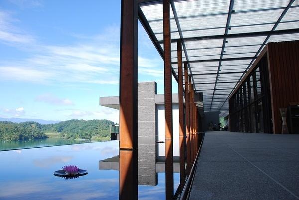早上的長廊...有另一種美