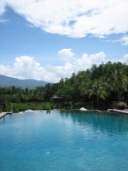 清邁四季酒店游泳池