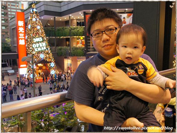 20121215 信義區看聖誕樹-13