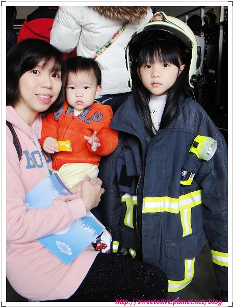 DORIS 4Y4M1D 參觀消防局-11
