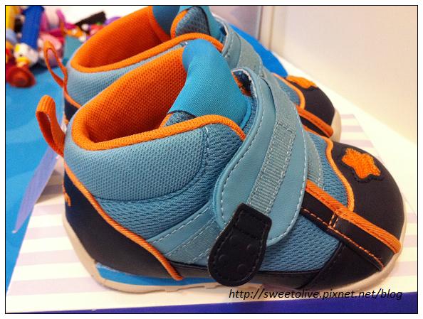 徐兔寶的貝親學步鞋-6