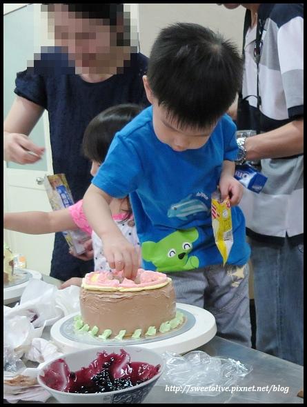 20140830 兔寶生日蛋糕DIY@義美-35