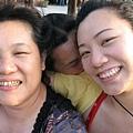 未來婆婆與未來媳婦合照(咦~怎麼多了一個人原來是五阿姨) >6.jpg