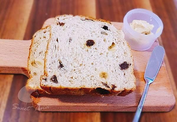 麵包佐黃醬.jpg