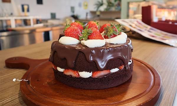 日福_草莓巧克力戚風蛋糕