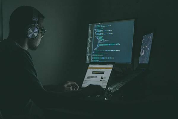 電影裡的Python畫面可不是亂呼嚨! 原來那些程式碼都是真的?