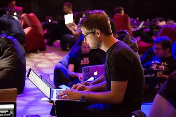 資深前端工程師怎麼利用HTML5繪製路徑動畫呢?趕緊來看看!!