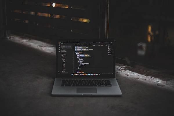 程式語言居然也有瀕臨絕境之說?Pyhton還是穩坐程式語言之冠!
