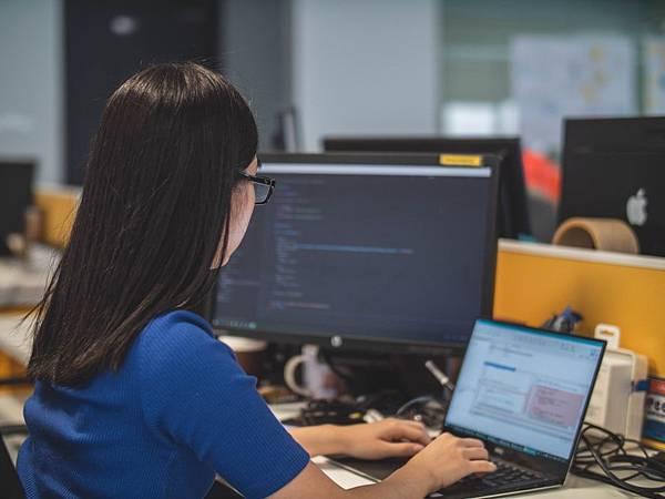 中國純國貨程式語言被爆抄襲Python!!真相是?