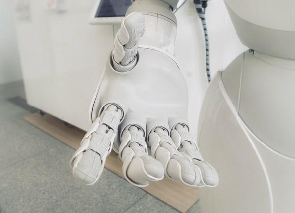 超成功的陪伴型人工智慧機器人!超受養老院長者們的喜愛!