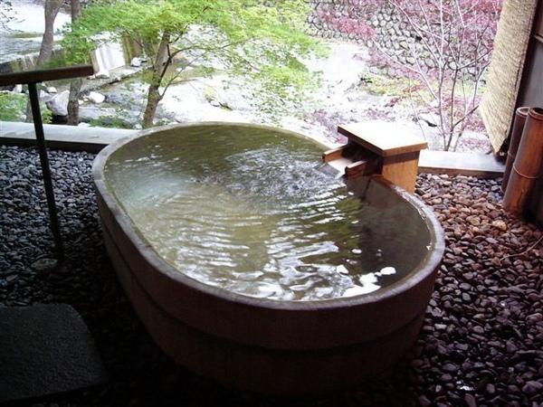 渓流の湯露天風呂