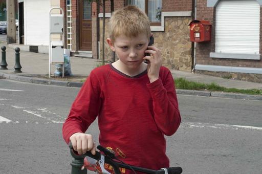 翻牆爬樹矯捷《騎單車的男孩》童星童星湯瑪士多西特(Thomas Doret)原是黑帶高手.jpg
