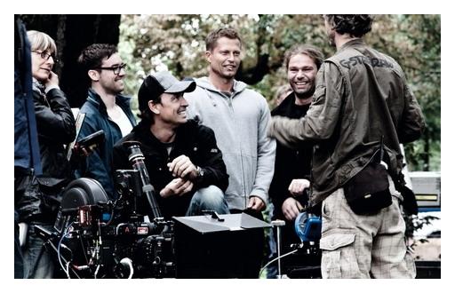 提爾史威格《紅酒燉香雞》三創德國電影票房高峰.jpg