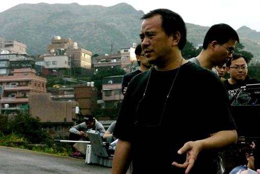 新作九份開拍《愛在思念中》張作驥(左一)致敬《悲情城市》.jpg