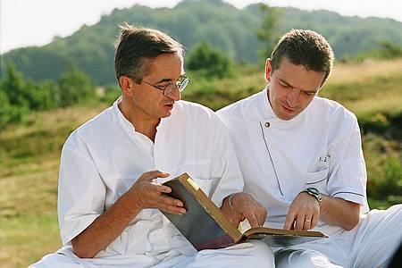 科學家搖身十大名廚《米其林廚神》布拉斯父子菜色研發大鬥法