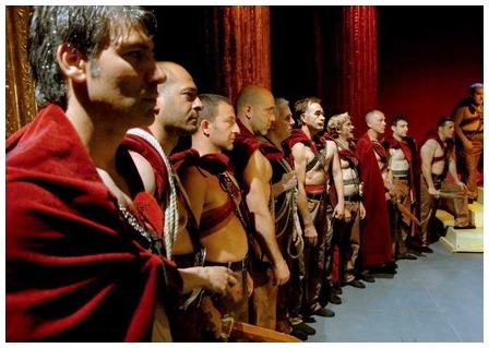 《凱撒必須死:舞台重生》劇情大綱