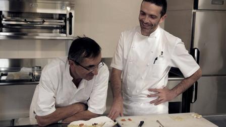 1廚難容2神《米其林廚神》法國廚神布拉斯父子美味大鬥法