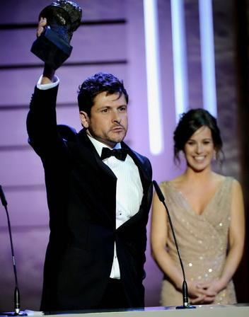 《EVA奇機世界》導演凱克麥羅(Kike Maillo)奪下今年哥雅獎最佳新導演獎神情激動