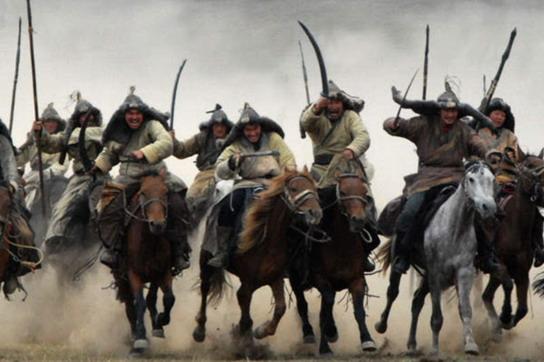 成吉思汗有保庇!《鐵木真:開天闢地》拍攝浩瀚戰爭如獲神助