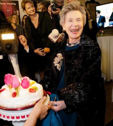 《愛‧慕》艾曼紐麗娃玫瑰蛋糕慶生