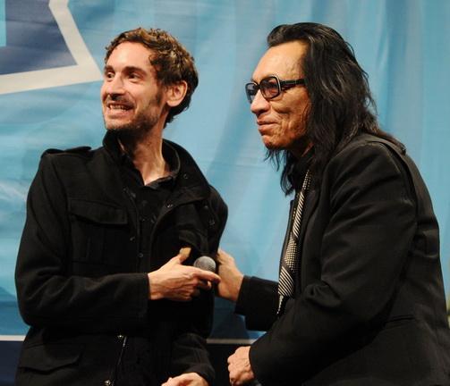 羅利葛斯(Sixto Rodriguez)曾三度拒絕導演馬力克班德傑勞(Malik Bendjelloul)以任何方式來拍攝他