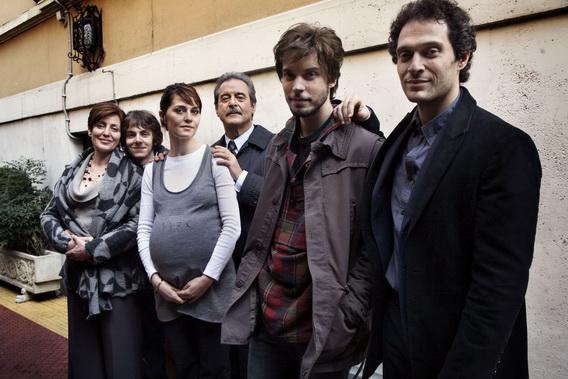 Le-cose-che-restano-Paola-Cortellesi-Claudio-Santamaria-Ennio-Fantastichini-Lorenzo-Balducci-foto-dal-film-4