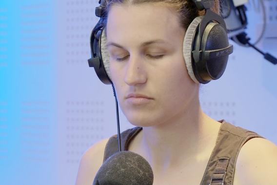 法國盲人主播蕾蒂西雅《音躍巴黎》精準報路況粉絲稱奇FOR痞客幫