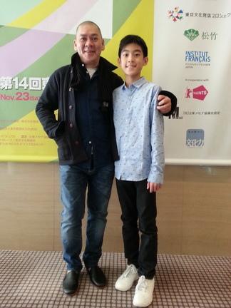 楊亮俞赴東京Filmex影展宣傳《暑假作業》巧遇蔡明亮, 蔡明亮羨慕他好瘦, 還說我回台北就要去看你的電影