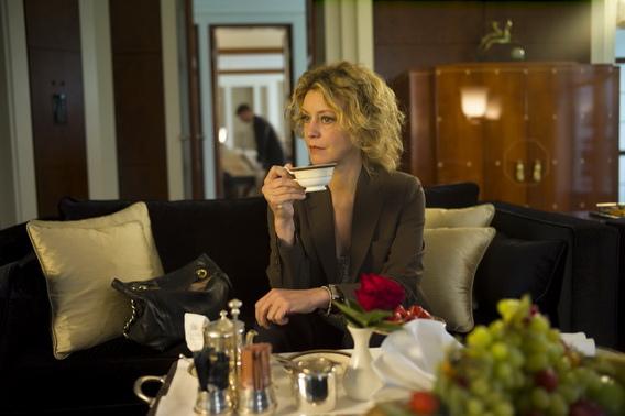 飾演女稽查員的「義大利梅格萊恩」女星瑪姬麗塔貝(Margherita Buy)榮登「義大利奧斯卡」影后