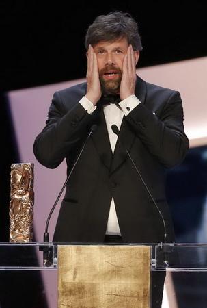 《愛的餘燼》抱回最佳外語片,男主角尤漢赫爾汀柏(Johan Heldenbergh)難以置信