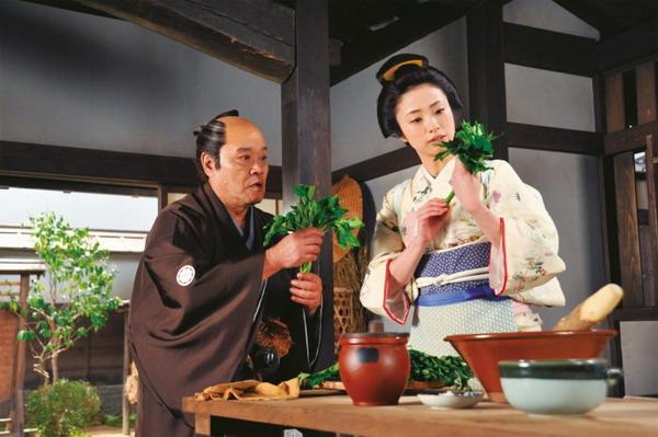 《武士的菜單》西田敏行為精進廚藝,不恥下問「料理女神」上戶彩
