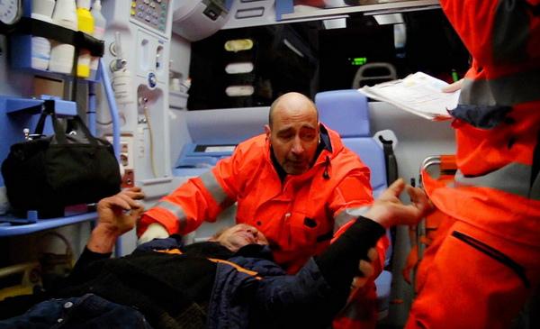 《一條大路通羅馬》看遍生老病死的救護車司機