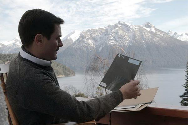 圖01 大提琴配樂令人銷魂《親愛的德國醫生》一場人性的探討與實驗