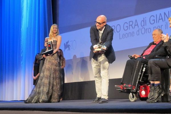 貝托魯奇驚艷《一條大路通羅馬》導演吉安弗蘭科羅西奪金獅大獎