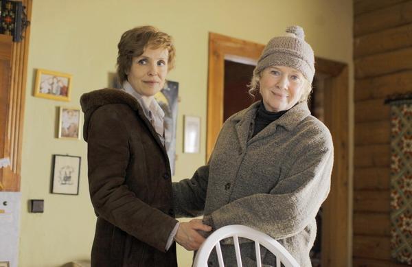 麗芙烏曼(右)與柏林影后茱莉安柯勒、搭檔演出母女的《替身風暴》,也獲得極高評價