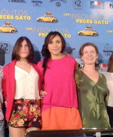 《鯰魚很驚奇》左起女主角西蒙娜阿雅拉(Ximena Ayala)、導演克勞蒂桑露西(Claudia Sainte-Luce)、女配角麗莎歐文(Lisa Owen)
