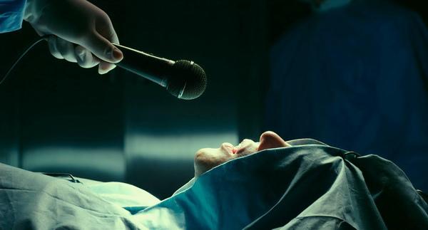 手術台高歌震撼醫界《上帝的男高音》裴宰徹週末懷恩堂首映開唱