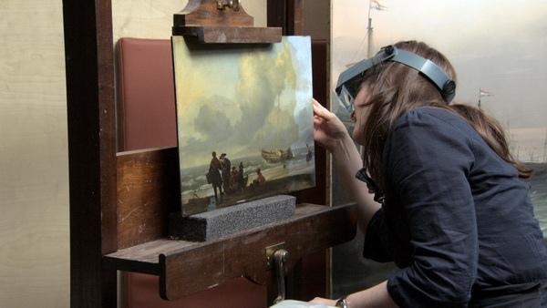 《歡迎光臨國家畫廊》將博物館的研究修復員一一變成了主角