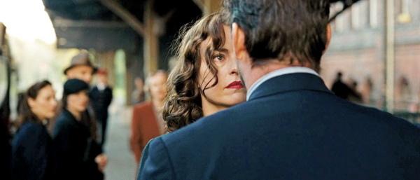 《回不去的時光》片中一場車站重逢的戲,妮娜荷絲演來十分動容