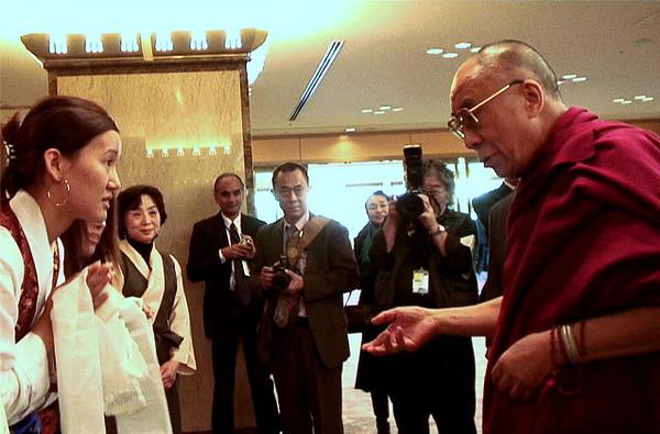 達賴喇嘛 在日本遇見西藏流亡學生