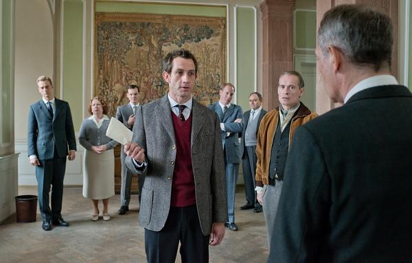 《謊言迷宮》中安德烈席曼斯基(Andre Szymanski)飾演的熱血記者大鬧法院,讓塵封多年的納粹秘史得以重見天日